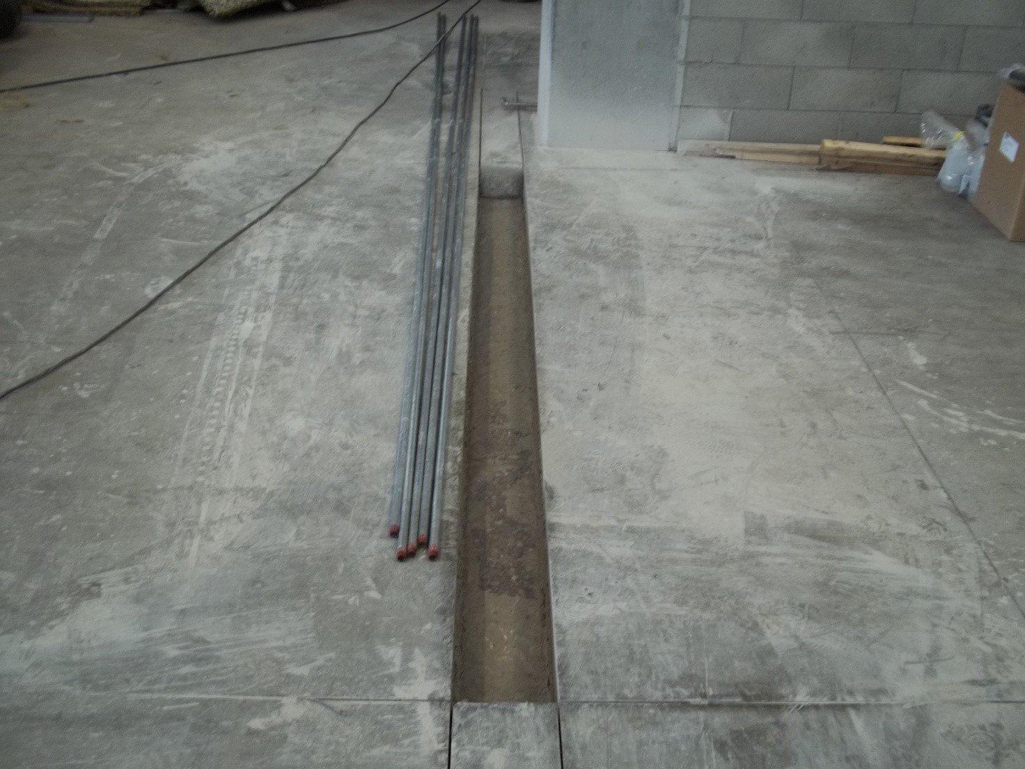 Taglio pavimento industriale per rinnovo degli impianti