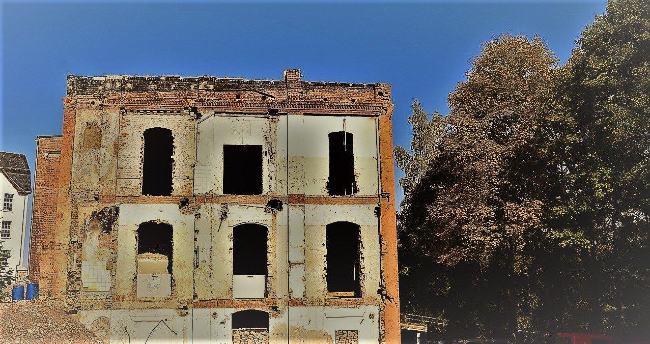 Svuotamento fabbricati: svuotare un edificio lasciando le facciate